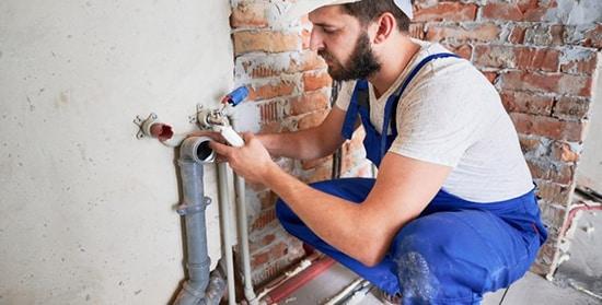 Postavljanje vodovodnih instalacija van pločica